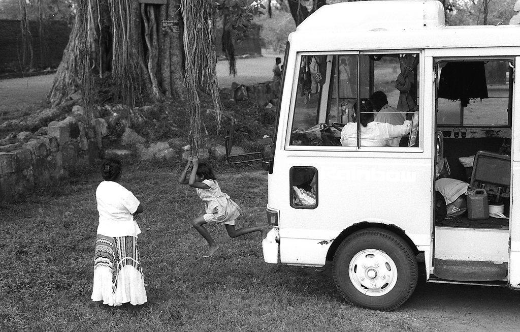 srilankaWomen-2013-low-7.JPG