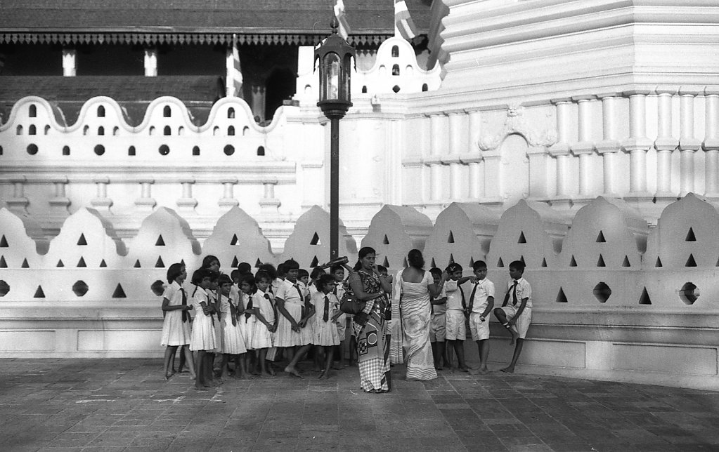 srilankaWomen-2013-low-14.JPG