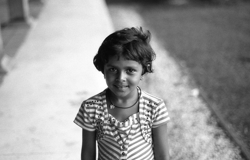 srilankaWomen-2013-low-17.JPG
