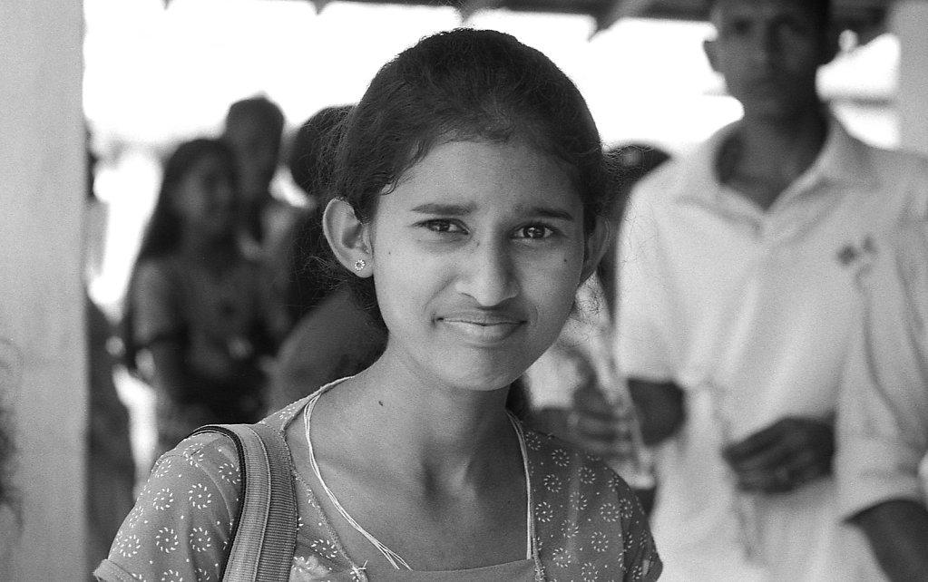 srilankaWomen-2013-low-2.JPG