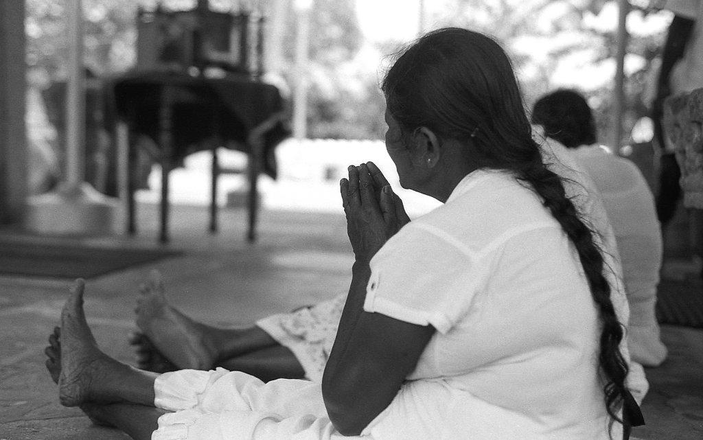 srilankaWomen-2013-low-4.JPG